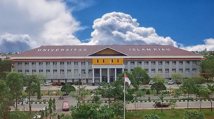 Nama Mahasiswa UIR Penerima Bansos Pemprov Riau