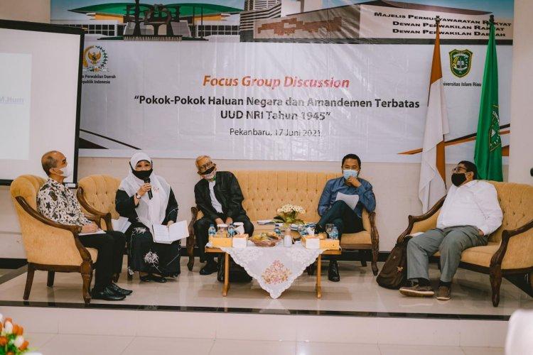 FGD di UIR, Akademisi dan Senator Asal Riau Bahas Amandemen UUD
