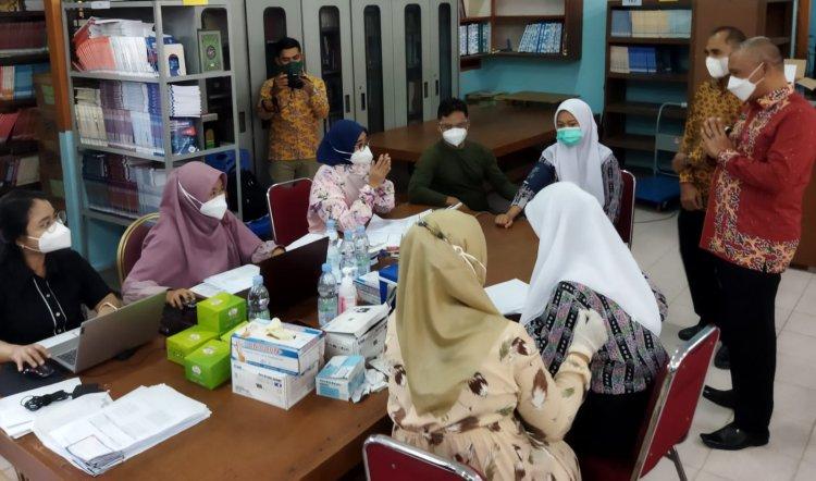Ribuan Siswa SMKN 4 Pekanbaru Divaksin, Kadisdik Riau: Ikhtiar Kita Atasi Covid-19